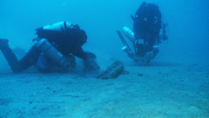 photo of divers and Egadi 5 ram